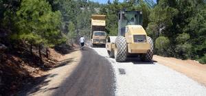 Mersin'de ilçelere 6 ayda 92 bin 433 ton sıcak asfalt döküldü