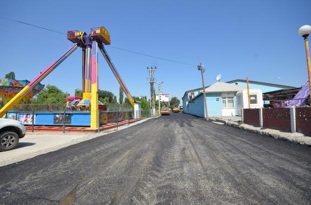Iğdır'da asfalt çalışmaları devam ediyor