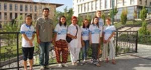 HKÜ lise öğrencileri için sıra dışı yaz programına ev sahipliği yapıyor