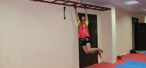 Muay Thai Sporcularından Siverek'e 2 Altın Kemer