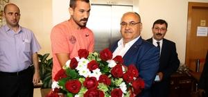 Başkan Hasan Can, Ümraniyespor yönetimi, teknik heyet ve futbolcularla bir araya geldi