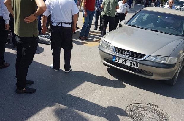 Otomobil bisikletli adama çarptı