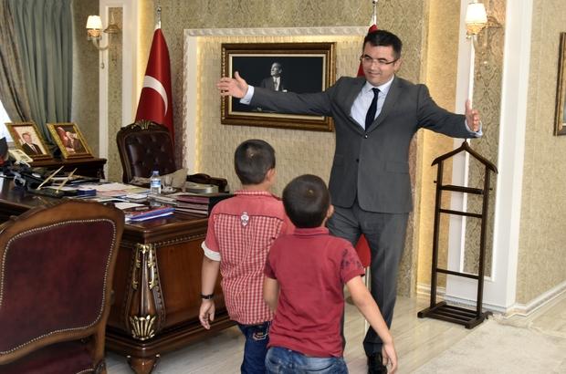 Necmettin öğretmenin öğrencilerinden Vali Memiş'e ziyaret