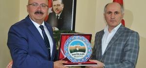 Vali Meral, Sarıveliler Belediye Başkanı Samur'u ziyaret etti