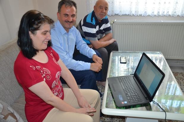 Yılmaz'dan engelli öğrenciye laptop