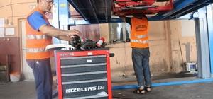 Akdeniz Belediyesi araçlarını kendi imkanlarıyla onarıyor
