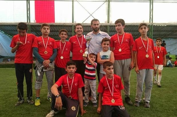 Kur'an kursu öğrencileri futbolda yarıştı
