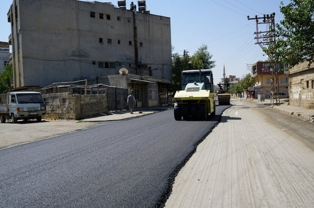Fatih Mahallesi 20 yıl sonra yeni asfalta kavuştu