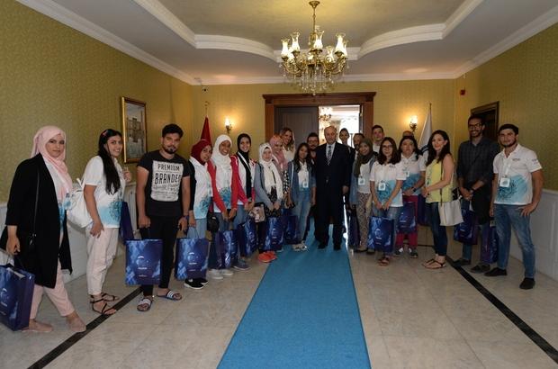 Vali Azizoğlu yabancı öğrencileri konuk etti