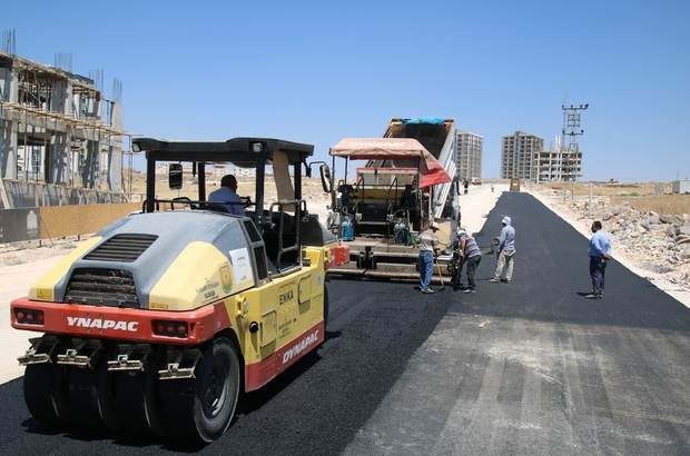 Şanlıurfa'da sıcak  asfaltla  seferberliği