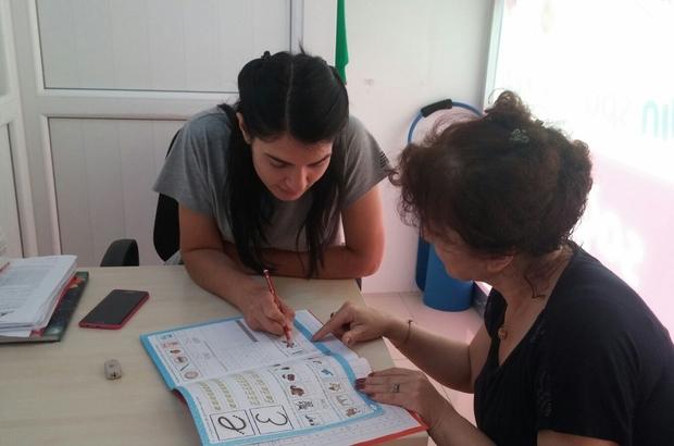 İranlı Sima Jahani, Türkçe öğreniyor