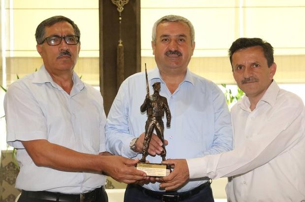 Körfez şehit ailelerinden Başkan Baran'a anıt teşekkürü