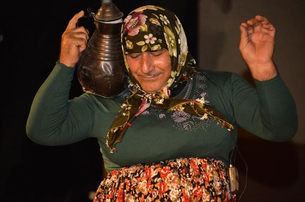 Mersin'de tiyatroya gitmeyen kalmayacak