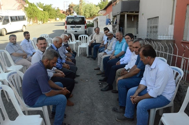 CHP'li Kiraz'dan traktör kazasında ölenlerin ailelerine baş sağlığı ziyareti