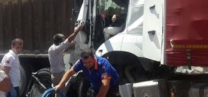 Niğde'de tır, kamyona çarptı: 1 yaralı