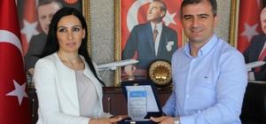 Başkan Cüneyt Yemenici'ye iki  ödül