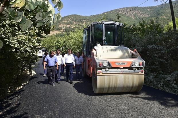 """Başkan Erkoç'tan """"Yıl sonuna asfaltsız yol kalmayacak"""" müjdesi"""