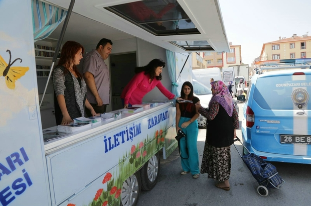 İletişim Karavanı mahalle mahalle gezerek vatandaşların sorunlarını dinliyor