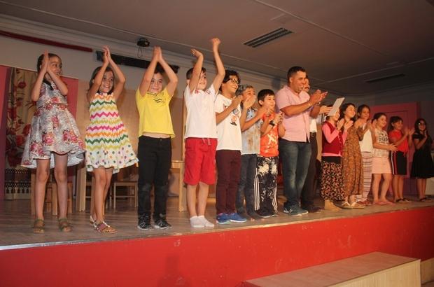 Sarıgöllü öğrencilerin tiyatro gösterisi beğenildi