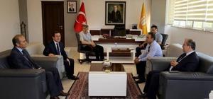 Rektör Kızılay'a Arguvan türküleri hediye edildi