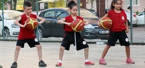Bin 6 çocuk basketbol eğitimi alıyor