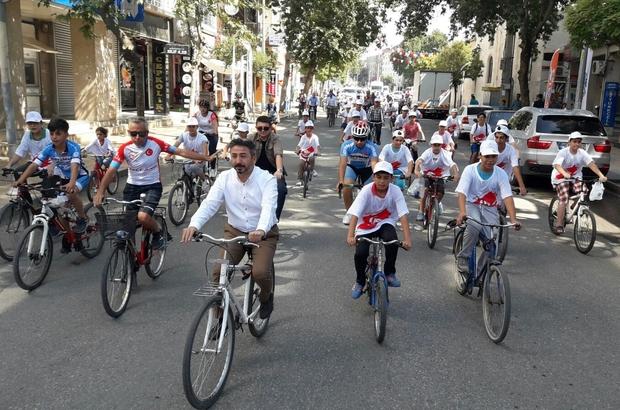 TBMM Başkan Vekili Aydın kuran kursu öğrencileriyle birlikte pedal çevirdi