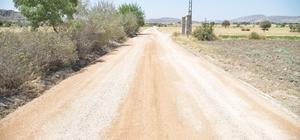 Dicle'nin kırsal mahalle yolları yenileniyor