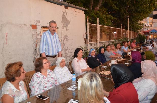 Özkan'dan iftar yemeklerini fakirlerin evlerine kadar götüren AK kadınlara teşekkür
