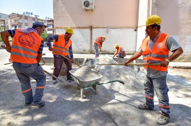 Muratpaşa Belediyesi 67 okulda bakım-onarım yapıyor