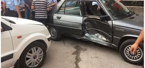 Kozan'da trafik kazası;2 yaralı