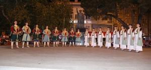Burhaniye'de Halk Oyunları Şenliği ilgi gördü