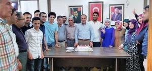 Kayapınar teşkilatı AK Parti'nin 16'ncı kuruluş yıldönümünü kutladı