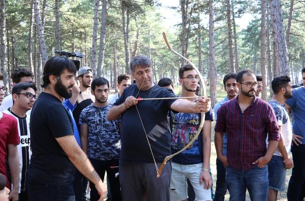 Rektör Polat, yabancı öğrencilerle kamp yaptı