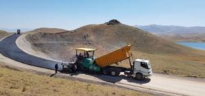 Van Büyükşehir Belediyesinden yol asfaltlama çalışması