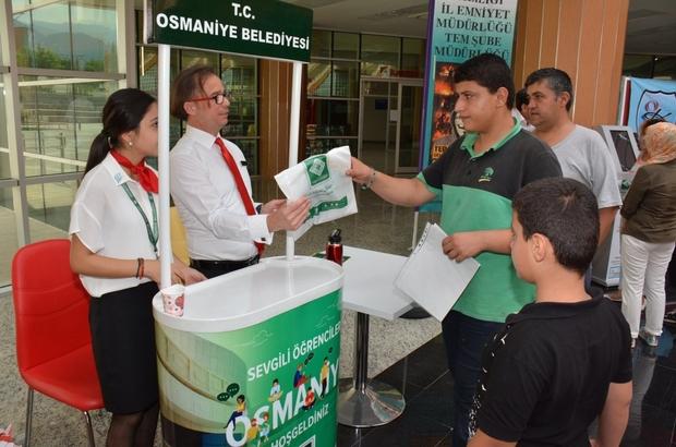 Osmaniye Belediyesi üniversiteye gelen öğrenciler için stant kurdu