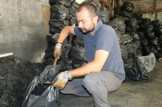 Eskişehir'de bayram öncesi mangal kömürü satışları