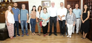 Seramik sanatçıları Başkan Kurt'u ziyaret etti