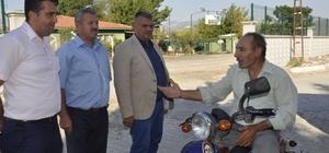 Akhisar'da mezarlıklar bayrama hazır