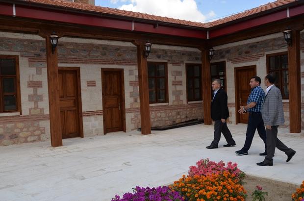Milletvekili Eldemir Başkan Bakıcı ile birlikte Tekke Mahalle Camii'nde incelemelerde bulundu