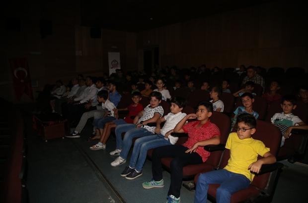 Çocuklara animasyon film izletildi