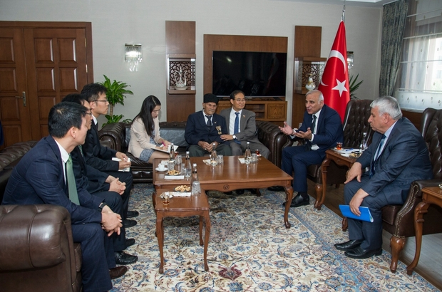 Büyükelçi Cho Yun-soo, Kore gazileri için Van'da