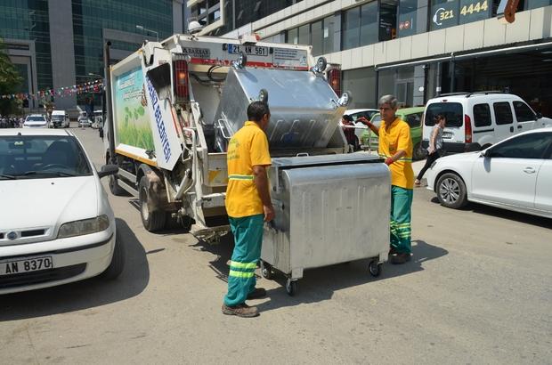 Akdeniz Belediyesi, çöp konteynerlerini yeniliyor
