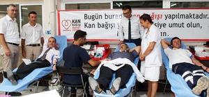 Sağlıkçılar kan bağışladı