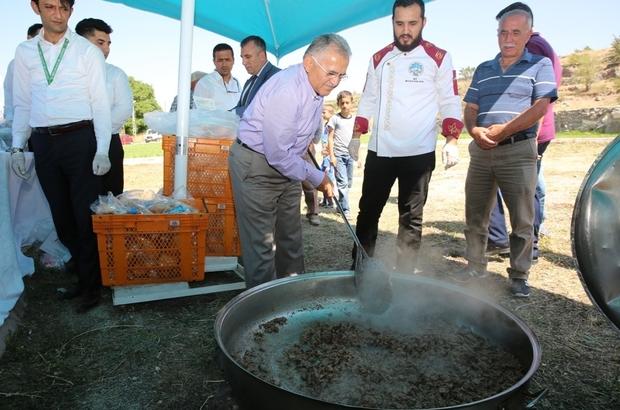 Halk pikniğinde Anadolu Kültür Mozaiği'nin zenginliği sergilendi
