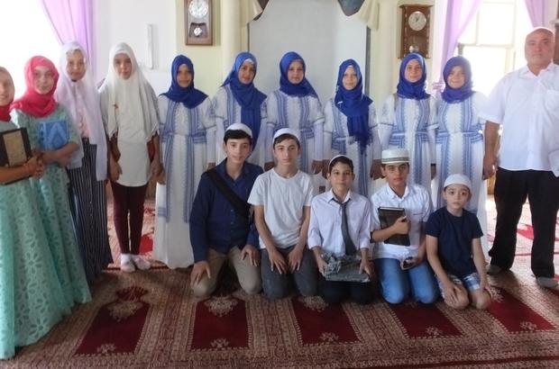 Burhaniye'de öğrencilerin hatim coşkusu