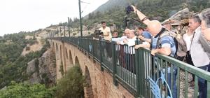Vali Demirtaş, Kızıldağ Yaylası'nda Muhtarlar, esnaf ve vatandaşlarla buluştu