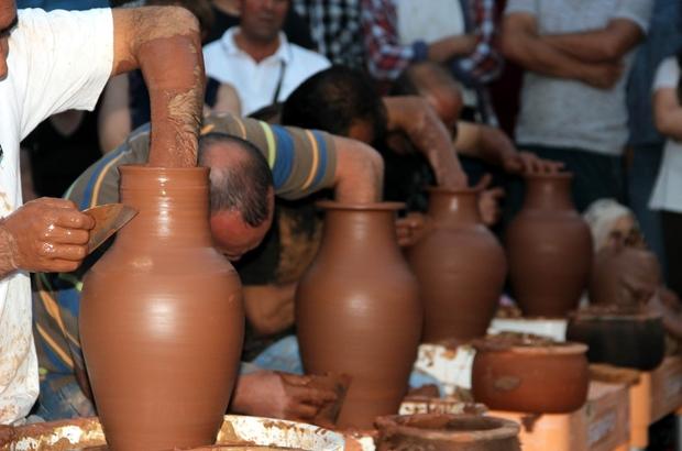 Minikler, çıraklar ve ustalar çanak yapımı için yarıştı