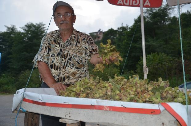 Fındık üreticileri yollarda tezgah açtı