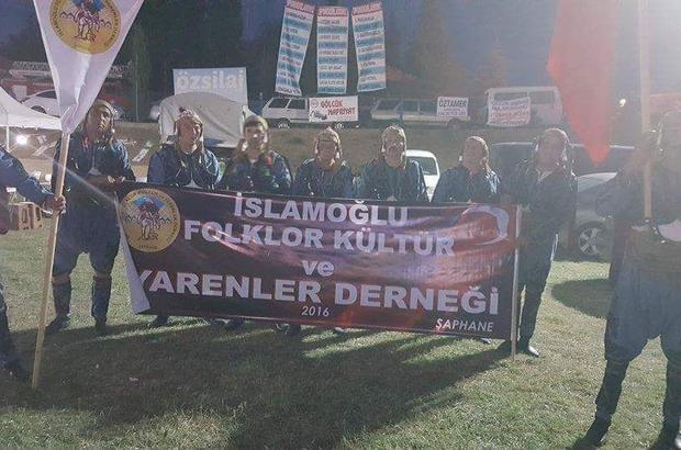 Şaphane İslamoğlu Folklor Kültür ve Yarenler Derneği üyelerinden Efe oyunu