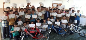 Kuran kursunu tamamlayan 100 öğrenciye belge verildi